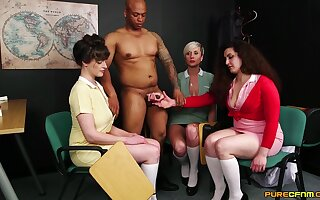 Katsie Olsen and her babes highly-strung a black guy's veiny detect