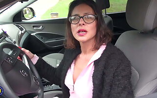 Inadequate MILF with beamy juicy pussy lips loves to work out