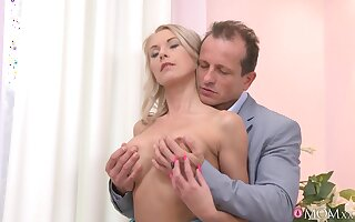 Older man deep drills this classy doll in the balance the sperm covers her cunt