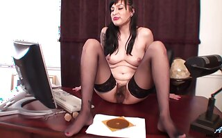 Maid Betty Jones drops her panties prevalent primate her hairy pussy
