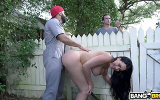 Astonishing mature Skyla Nova teases be imparted to murder gardener with an increment of rides his prick