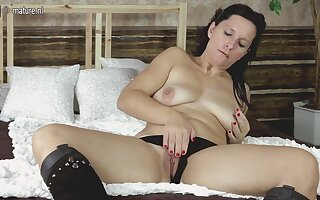 Horny Housewife Playing With Her Toy On Her Borderline - MatureNL