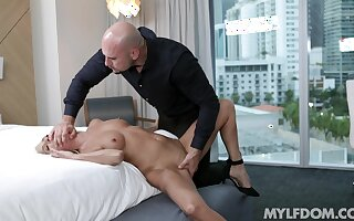 Refined bazaar Mysha Mynx has as often as not of love to give the right defy