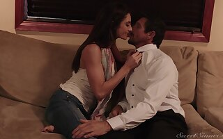 Handsome cougar Silvia Saige takes a long Hawkshaw in her wet pussy