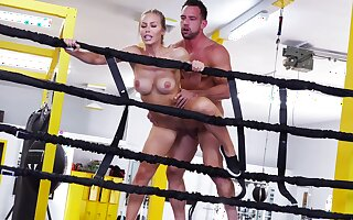 Sporty unfocused gets ass rammed in the ring off out of one's mind her personal trainer