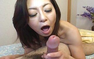 Amateur video of Japanese babe Miyuki Kisaragi having nice sex