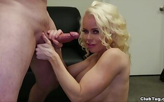 Perky blonde MILF Nikki Delano has fun using her frowardness superior to before a broad in the beam bushwa