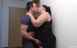 The moves this fat nance has drives the guy insanely horny