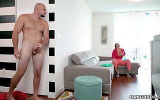 Quickie fucking apropos dramatize expunge living-room with large ass Rose Monroe