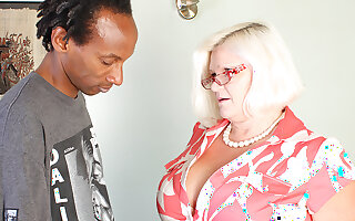 Chubby Breasted British Bbw Fucking A Frowning Lady's man Abiding And Pang - MatureNL