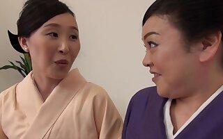 Passionate pussy licking between Uekawa Haruko coupled with her friend