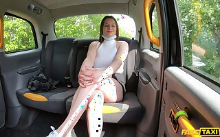 Quickie fucking in the back of the fake taxi with Mia Rose