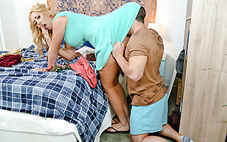 Janna Hicks in Chores For My Stepmom, The Whore - Pervmom