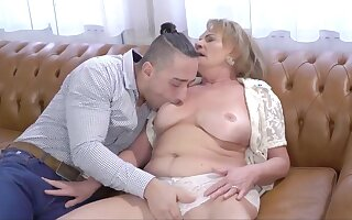 Hottest Granny, Squirt sex movie
