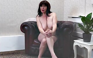first video shoot of nude 41-year-old Janey