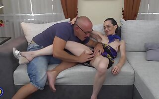 In chum around with annoy altogether man is licking Corinnas pussy and object a blowjob from her, in chum around with annoy end