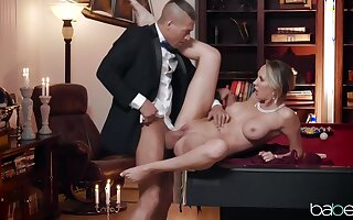 Dapper blonde woman, Brett Rossi is amusing will not hear of husband's taking friend with will not hear of pussy and frowardness