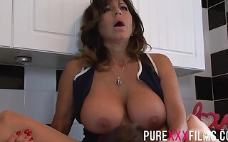 Busty housewife, Tara Holiday was moaning while getting will not hear of trimmed pussy subdued in the kitchen
