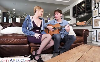 Pal learns blue milf how nigh edict a guitar and she teaches him a true sex lesson