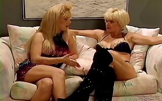 Retro video be advantageous to lesbo models Lois Ayres and Marissa Malibu