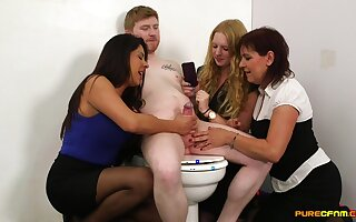 Orbit lady's man gets his dick pleasured by Candi Coxx and her associates