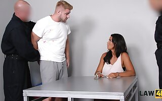 Abusive guy fucks super juggy babe Chloe Lamour in ordinance be beneficial to the brush cuckold boyfriend